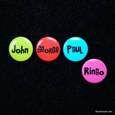 4 badges small