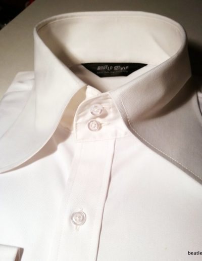 Beagle shirt white 2 button collar